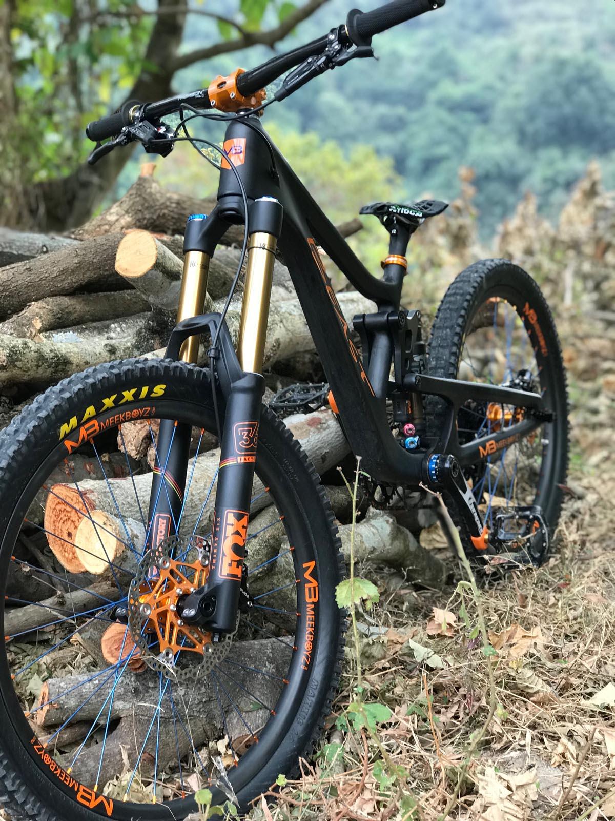 2711a9c7785 Beast Downhill MTB - 24