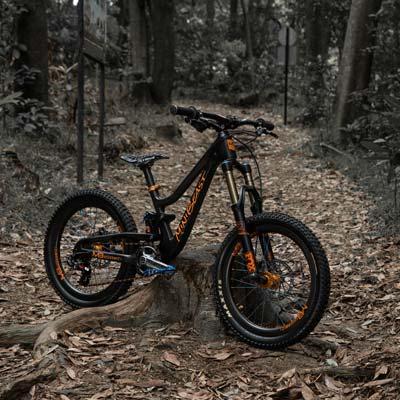 Verwonderend MeekBoyz | The Holy Grail of Kids' Downhill Carbon Moutain Bikes WJ-44